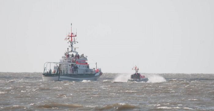 """SK """"Hannes Glogner"""" mit TOchterboot"""